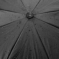 Regenschirm mit Tropfen