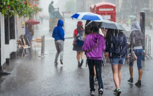 Regenschirme in Verwendung